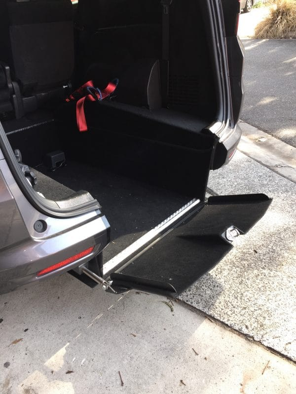 Automatic, No Ramp! Honda Odyssey internal hoist Unique design level access 7