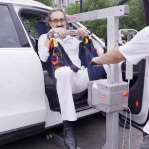 Portable light-weight electric Hoist for easy transport in/out of vehicle