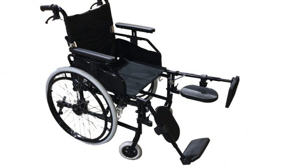 Foldable manual wheelchair with adjustable leg rests